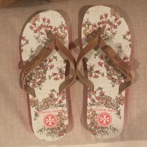 3af832a8312500 Tory Burch Shoes - Tory Burch Carlton Flip Flop